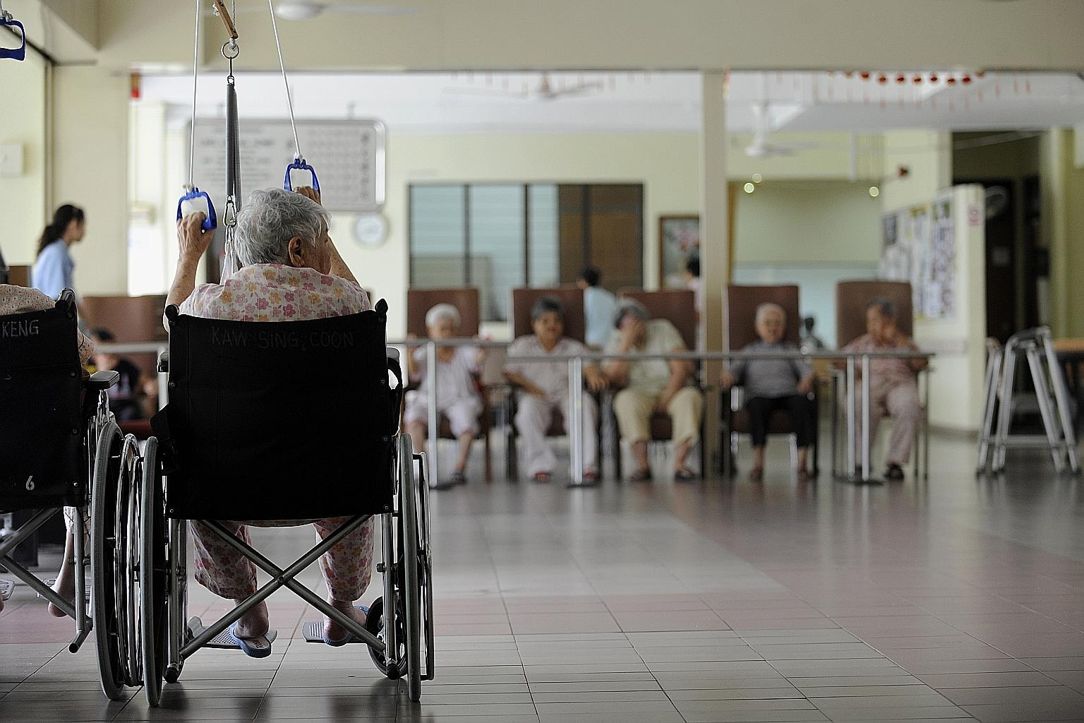 should elderly live in old folk s homes With asia's elderly population expected to reach 9227 million by the middle of this century, facilities and infrastructure to accommodate an increasing local ageing population have become a growing concern.